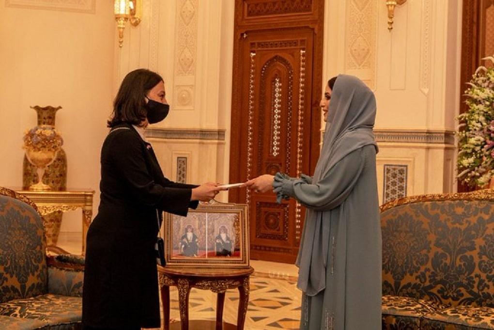 ما هي تفاصيل الرسالة الخطية التي أرسلتها زوجة أردوغان إلى زوجة السلطان هيثم بن طارق؟