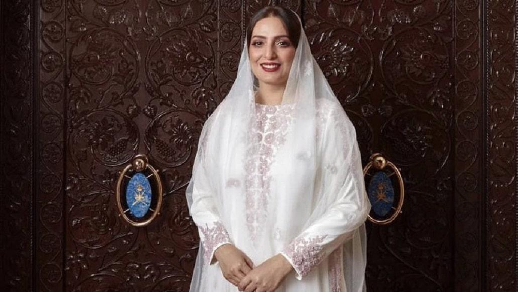 """""""شاهد"""" ماذا أهدت الفنانة أحلام لزوجة السلطان هيثم بن طارق في عيد ميلادها"""