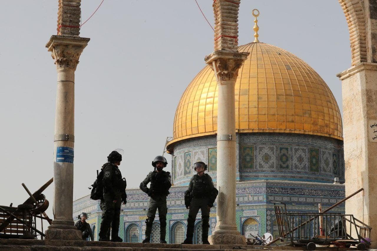 إصابات خلال اقتحام الأقصى يوم الـ28 من رمضان والإعتداء على المصلين