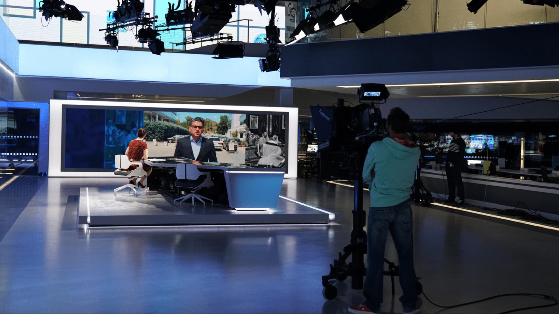 إشادة كبيرة بتغطية التلفزيون العربي والجزيرة لأحداث فلسطين فأين العربية وسكاي نيوز ؟!