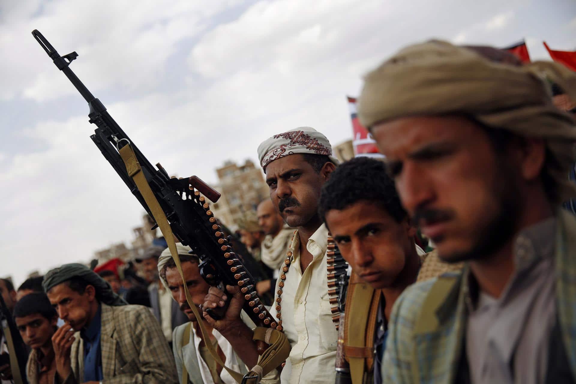 """""""ضربات موجعة""""… الحوثيون يصدرون بياناً يتوعدون فيه السعودية والإمارات"""