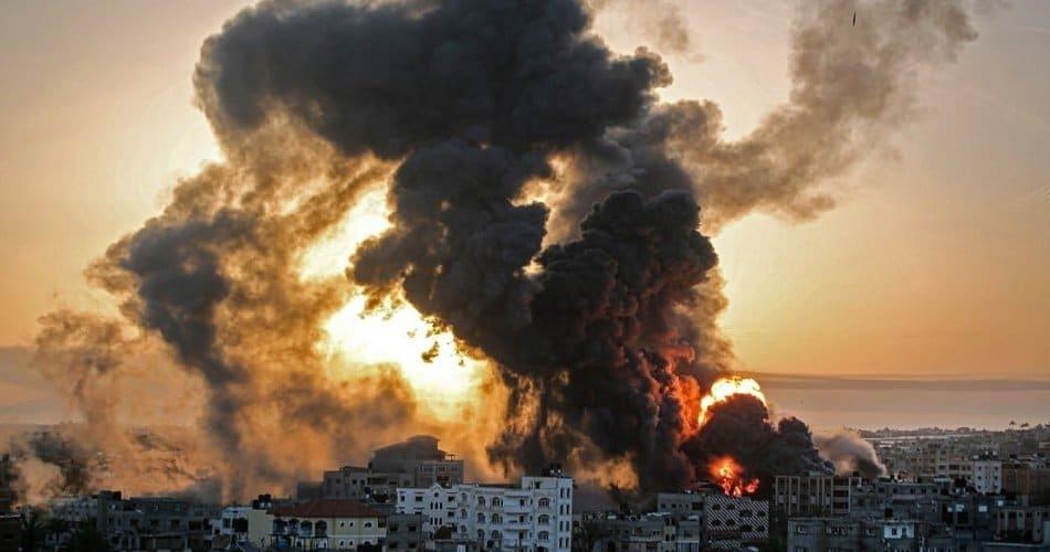 صحيفة الجزيرة السعودية تتغاضى عن جرائم إسرائيل وتتهم حماس بتدمير غزة