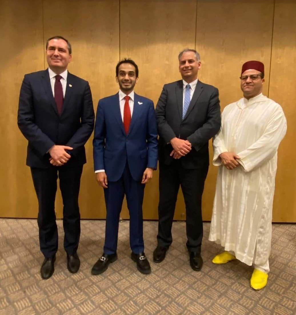 (شاهد) فضيحة سفيرا الإمارات والمغرب في اسرائيل بينما الأقصى يُدنّس ويُعتدى عليه!