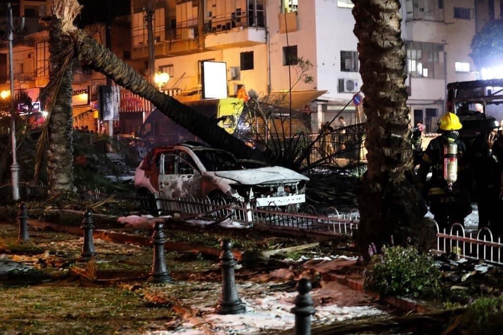 الدولة تحترق .. معاريف تكشف جنون نتنياهو وماذا فعلت صواريخ المقاومة في كلمتين