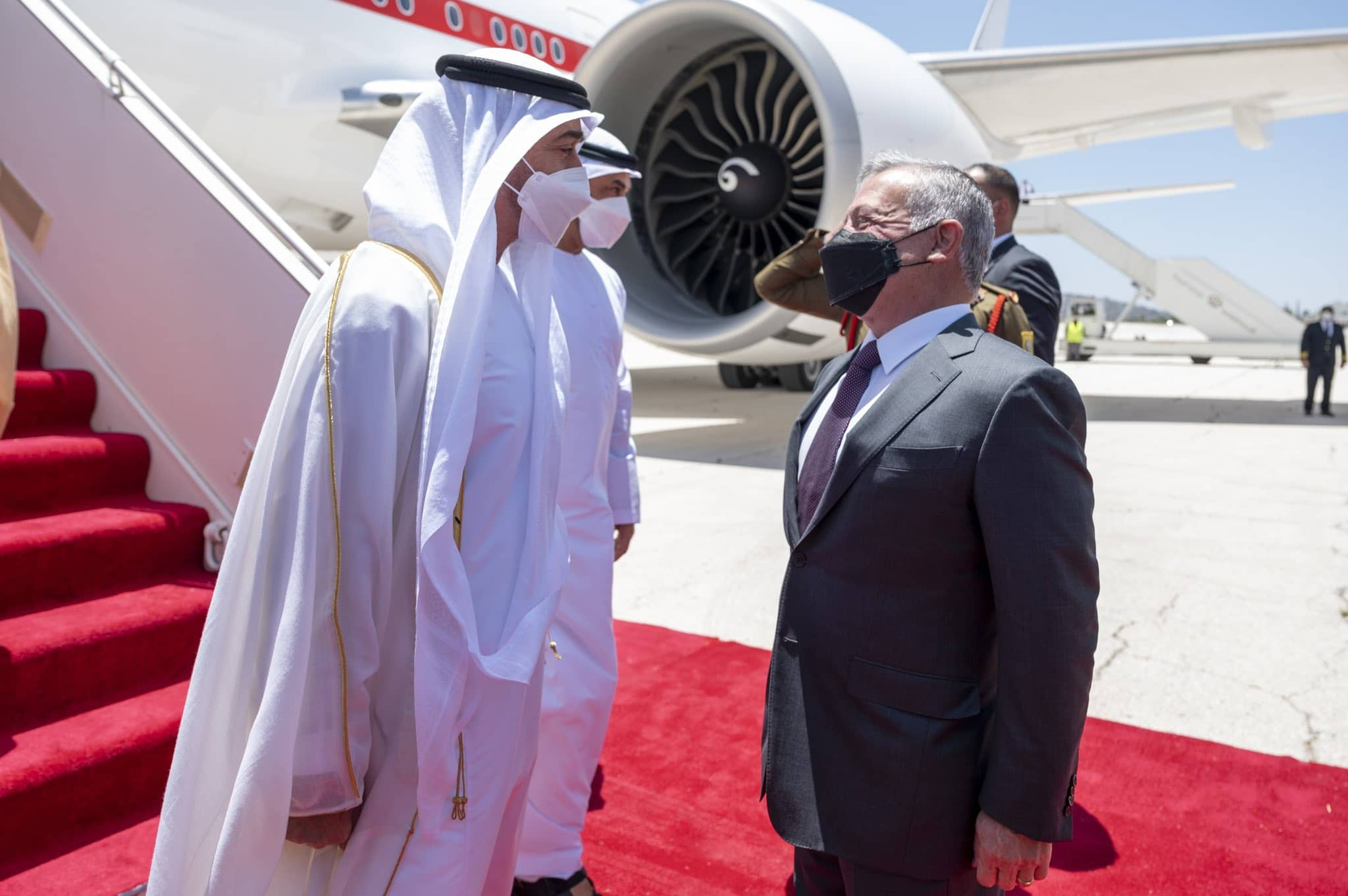 بعد تعمّق الخلاف بين الإمارات ومصر .. تقرير يكشف سر زيارة محمد بن زايد إلى الأردن