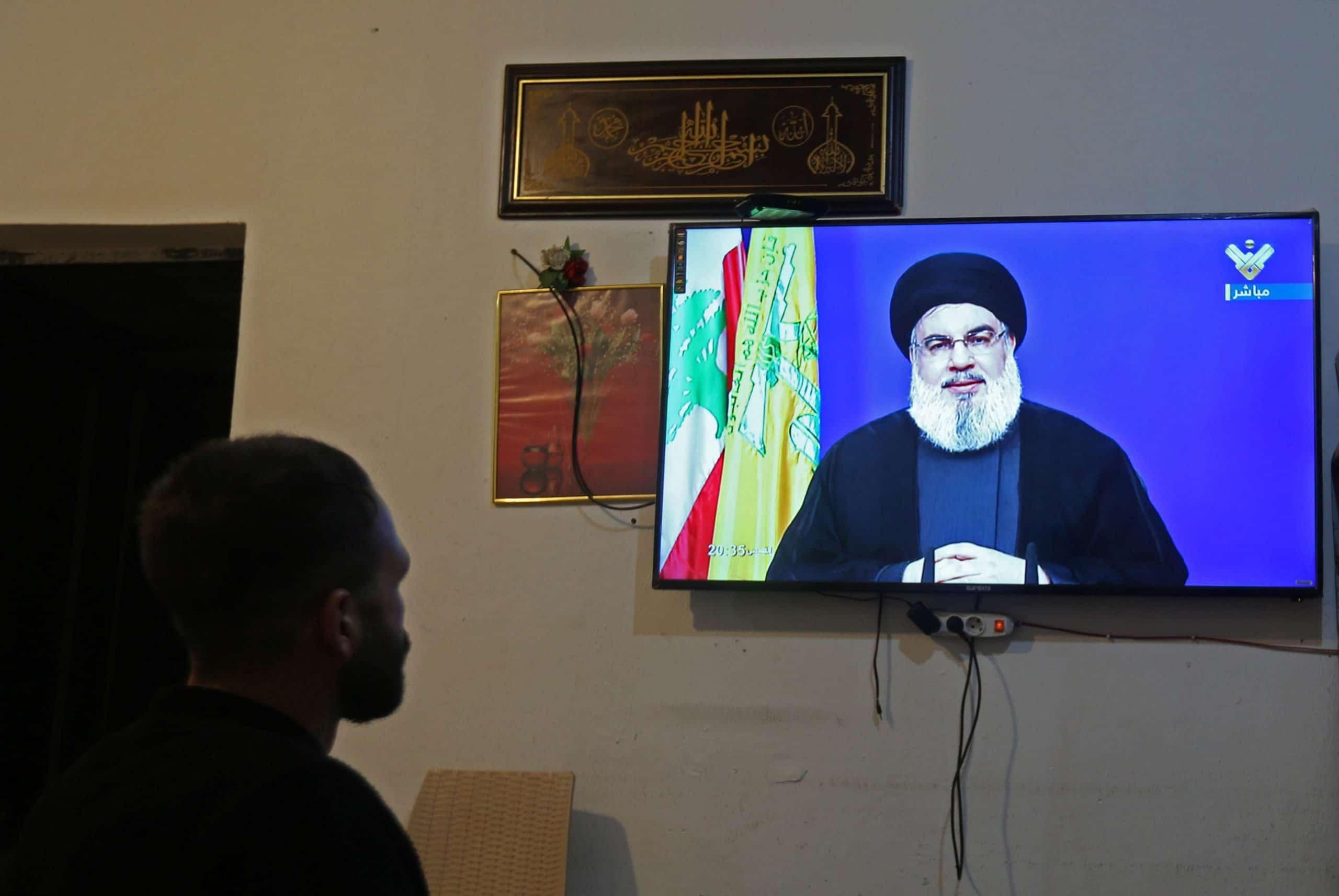 صحيفة: إعلاميو لبنان يزحفون إلى أبوظبي ويروجون لحكام الإمارات طمعا في دولاراتهم