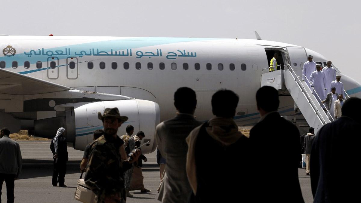 الخارجية العمانية تدعو الجميع لتوخي الحذر.. هذا ما يجري في اليمن