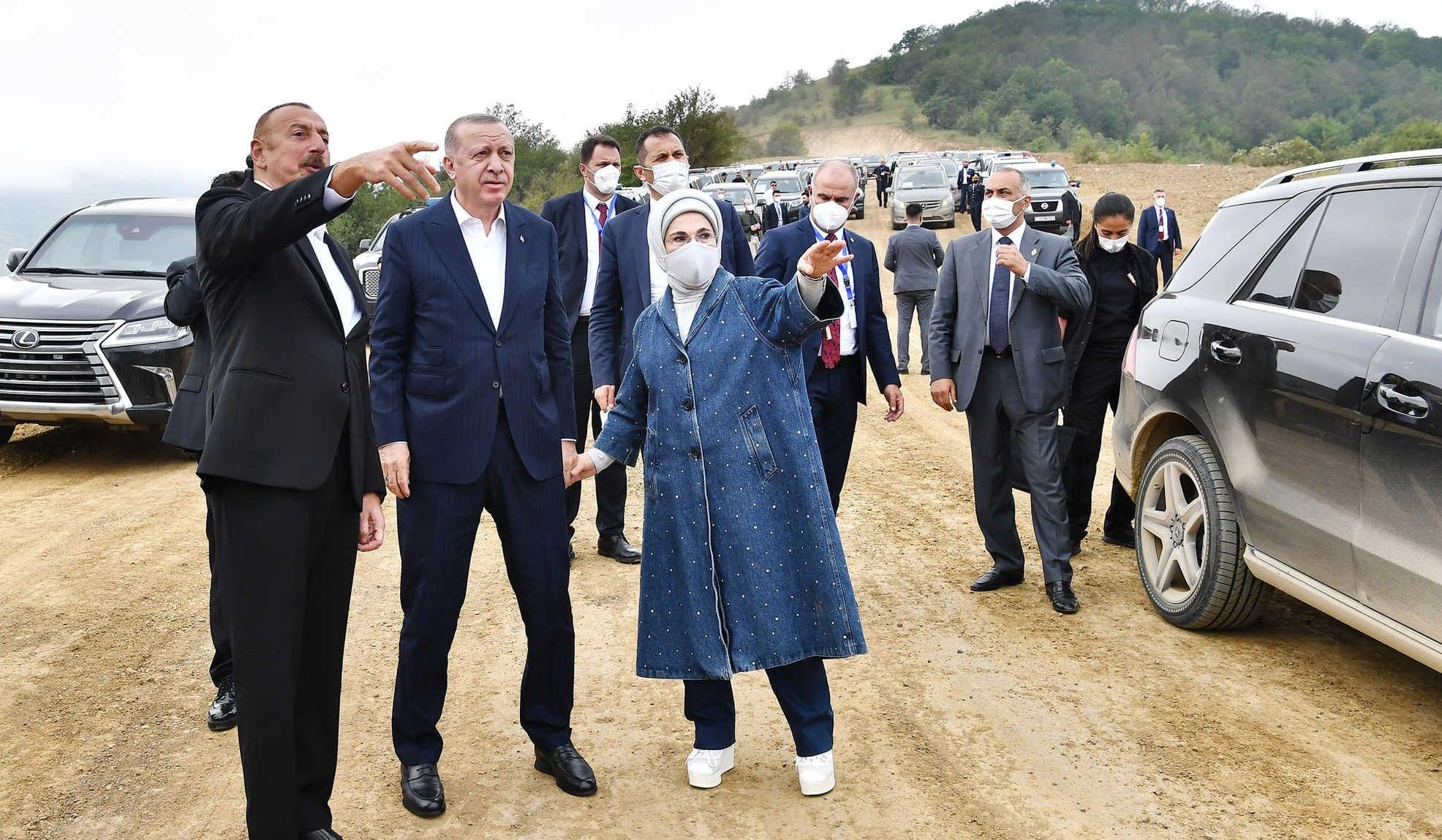 محادثة بين زوجة أردوغان والرئيس الأذربيجاني حول خرائط الألغام (فيديو)