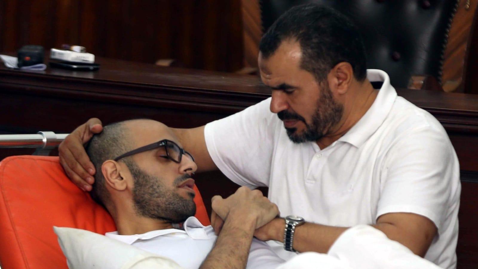 محمد سلطان ناشط مصري يناشد بايدن التدخل لإنقاذ والده من سجون السيسي