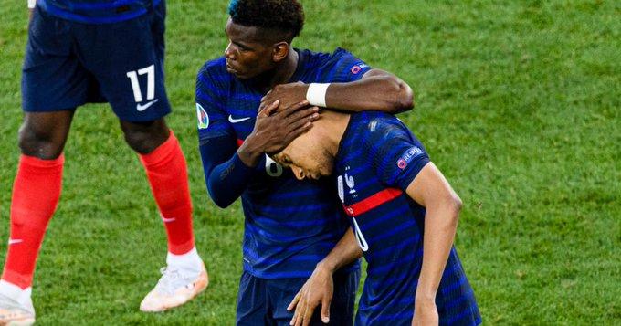 فضيحة ال20 دقيقة .. مشاجرة لفظية بين عائلات لاعبي منتخب فرنسا عقب الخروج من اليورو