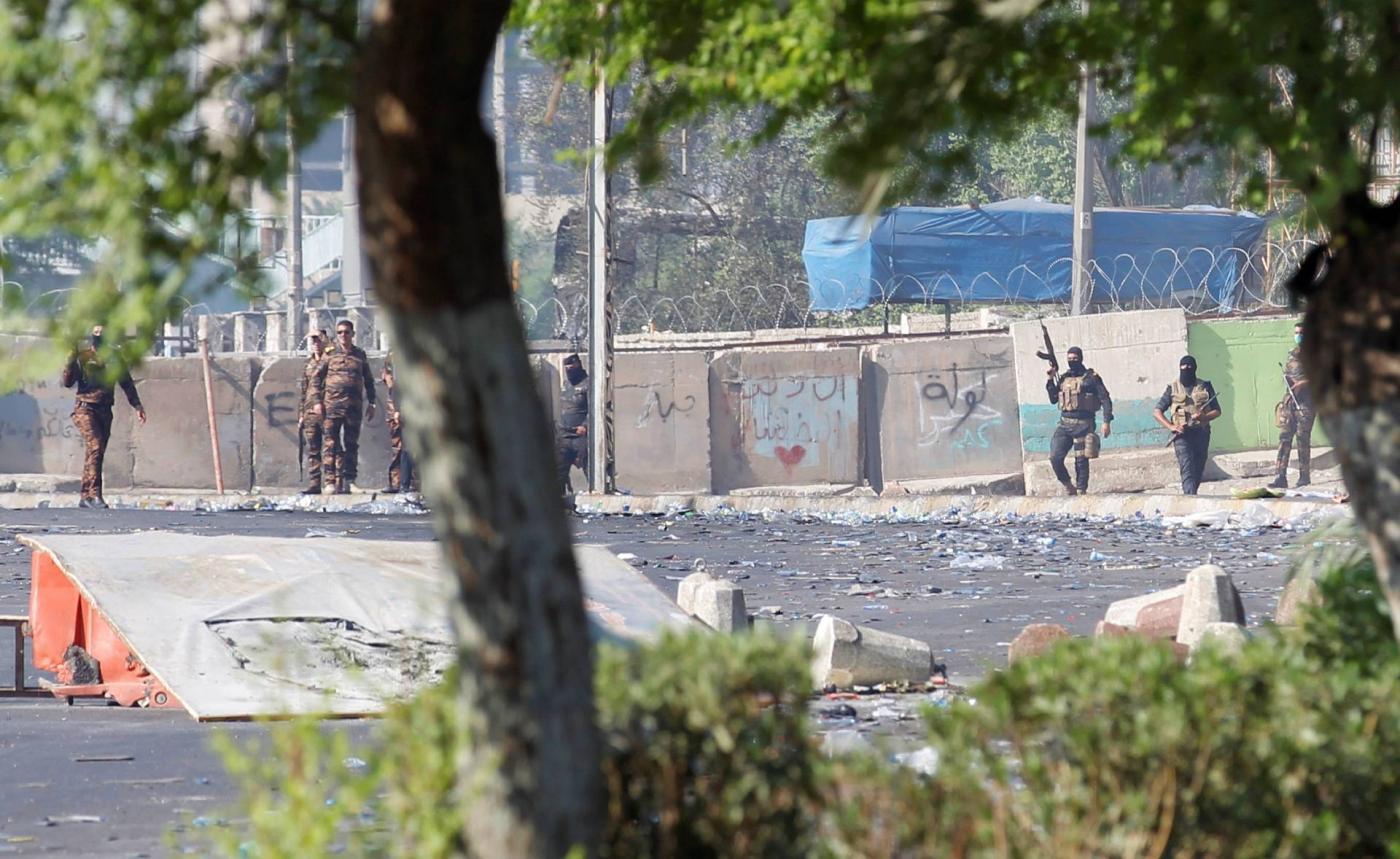 """مجزرة وتستر .. تحقيق """"ميدل إيست آي"""" يفجّر مفاجآت عن قتل عشرات المتظاهرين في بغداد"""