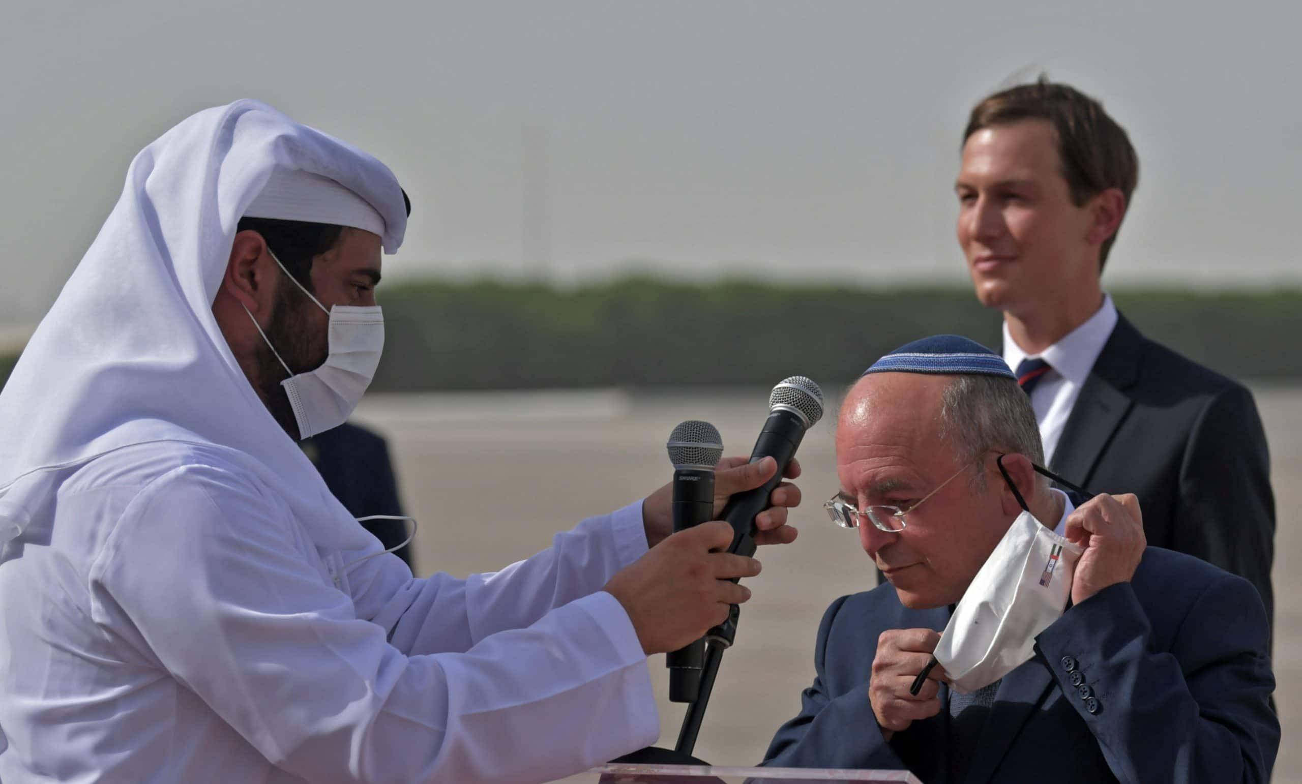 رئيس الوزراء الإسرائيلي يعيد النظر باتفاقية نقل النفط من الإمارات إلى أوروبا