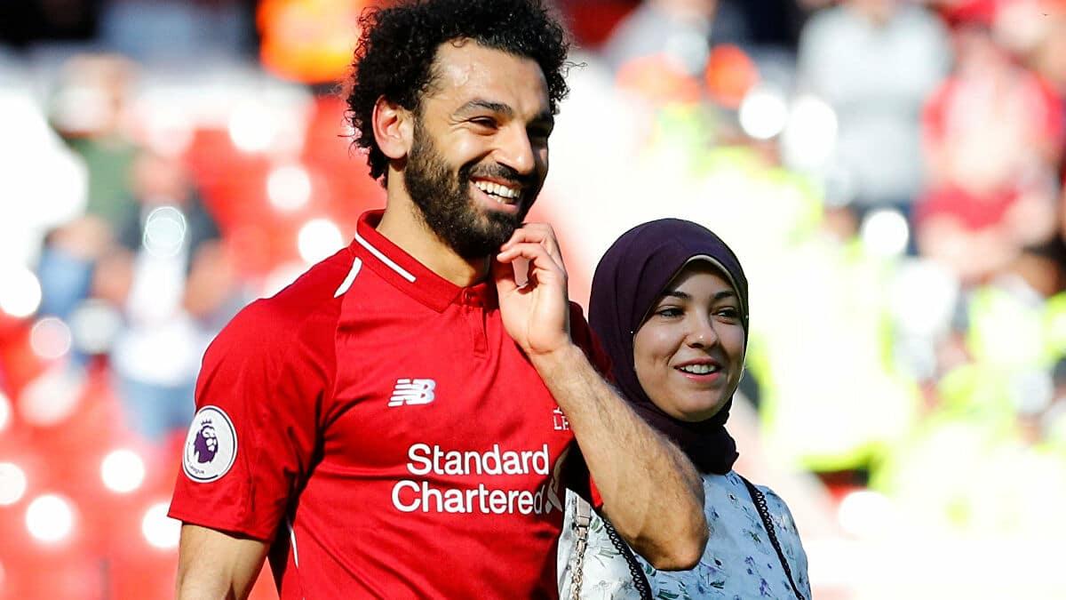 محمد صلاح يرد على أنباء انفصاله عن زوجته ماجي صادق (صور)