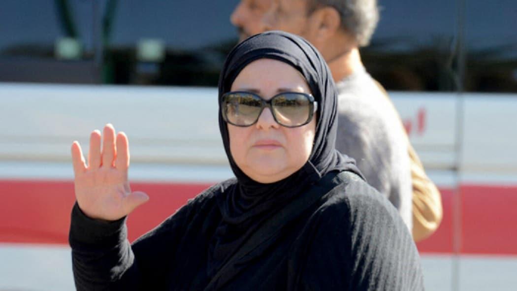 نقل دلال عبدالعزيز إلى مستشفى حكومي وفنان شهير يعترف بتسريب شائعة وفاتها