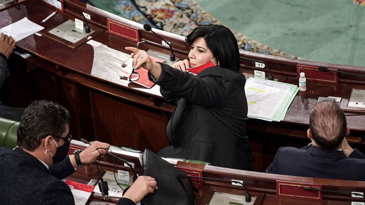 هل تقف الإمارات وراء فوضى عبير موسى في تونس؟