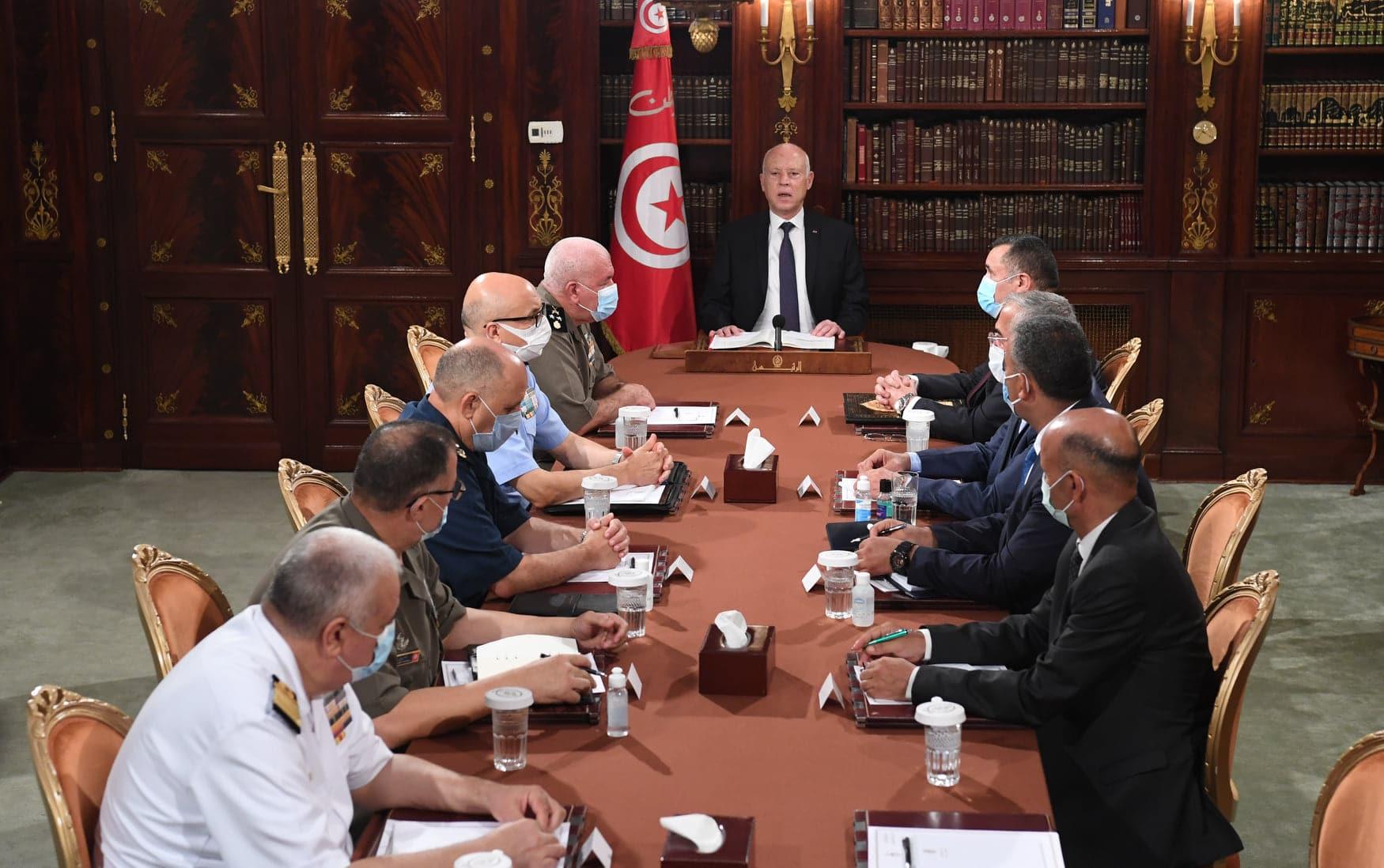 هكذا استغل قيس سعيد الفصل 80 من الدستور التونسي لتنفيذ انقلابه على السلطة