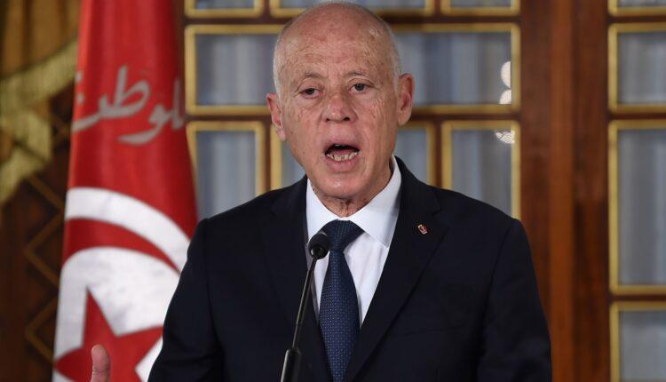 قيس سعيد ينقلب على البرلمان والحكومة