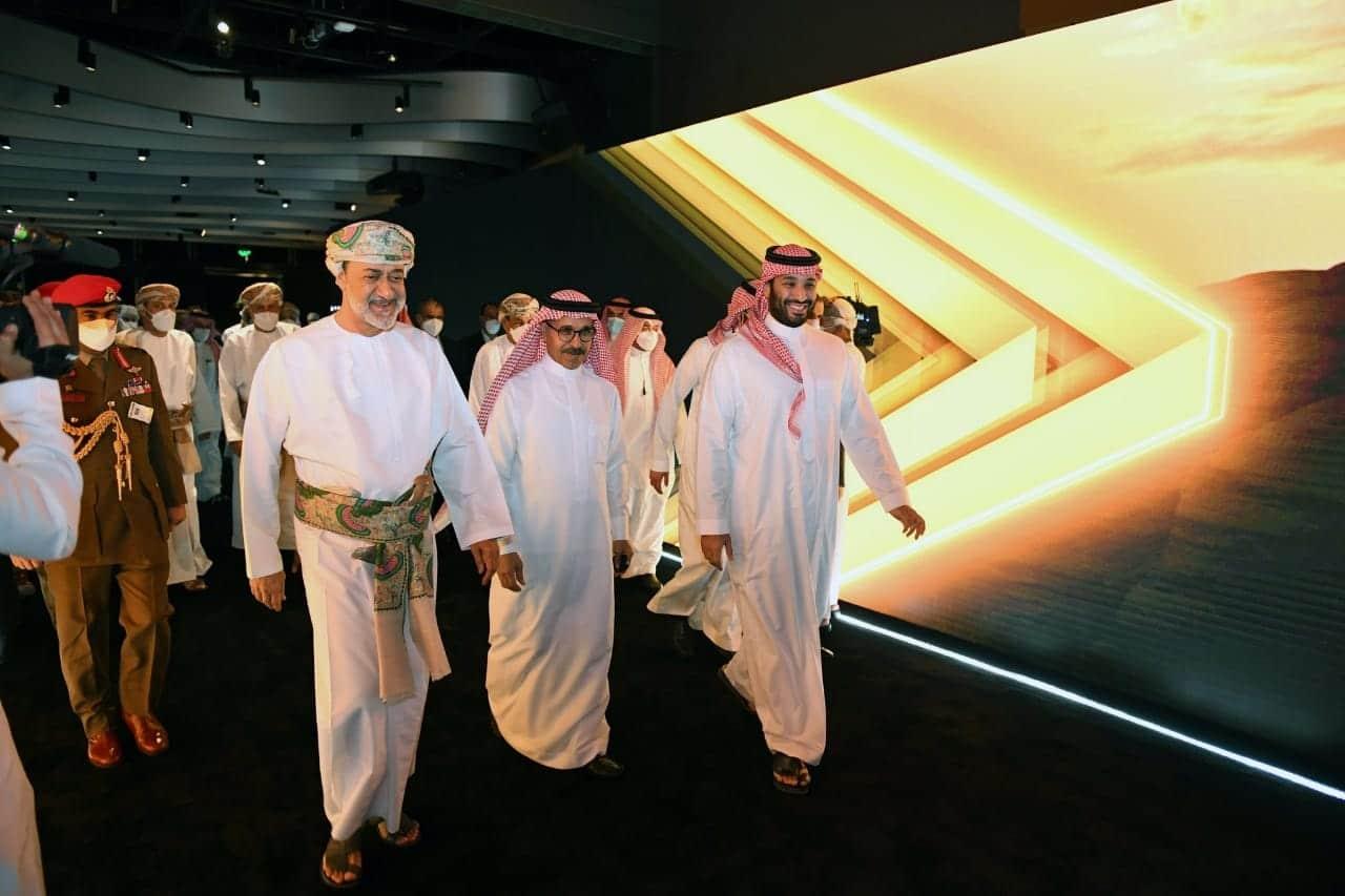 محمد بن سلمان يتابع نهائي يورو 2020 برفقة السلطان هيثم بن طارق (شاهد)