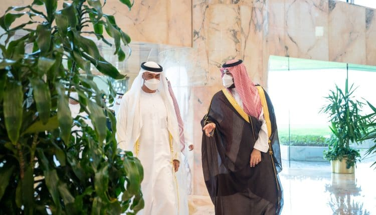 محمد بن سلمان يلتقي محمد بن زايد لأول مرة بعد الخلاف الإماراتي السعودي