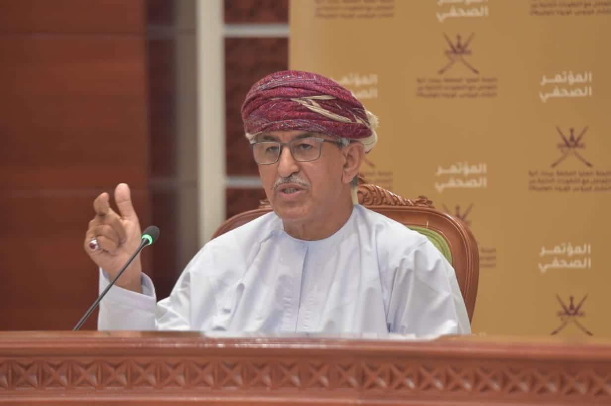 تصريحات وزير الصحة أحمد السعيدي تغضب الأطباء وحملة شعبية بالسلطنة لإنصافهم
