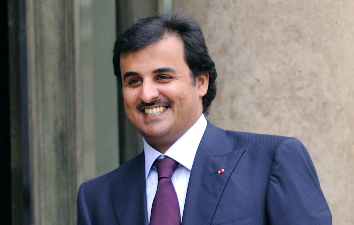 """دبلوماسية قطر تُدرس.. """"تميم المجد"""" يتصدر الترند عقب لقاء طحنون بن زايد بالأمير في الوجبة"""