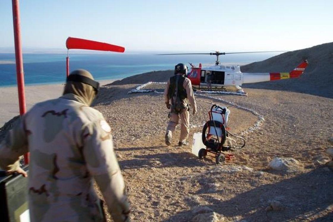 صورة قوات مصرية تعبر إلى تيران وصنافير تثير جدلاً واسعاً.. ما حقيقتها ؟!
