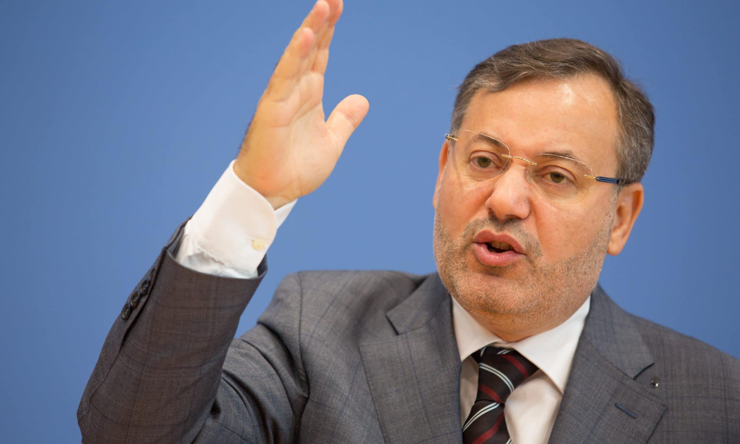 """أحمد منصور يكشف عن """"خطة جهنمية"""" وضعت لإسقاط الإخوان في مصر وتونس والمغرب"""
