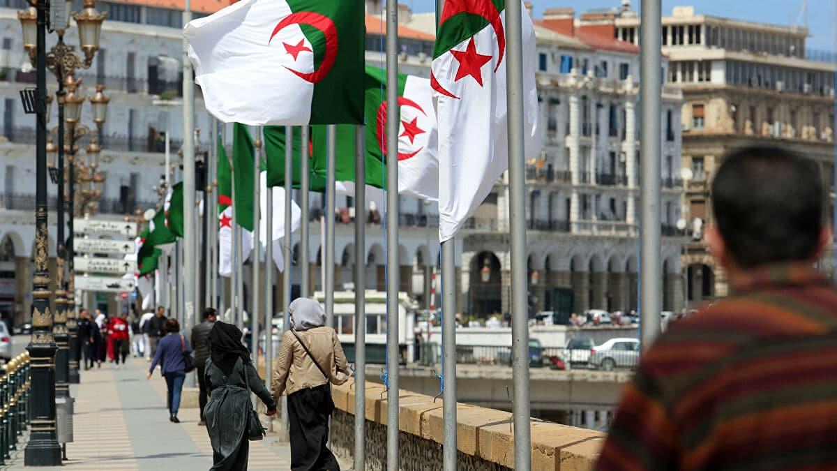أسباب الأزمة بين المغرب والجزائر