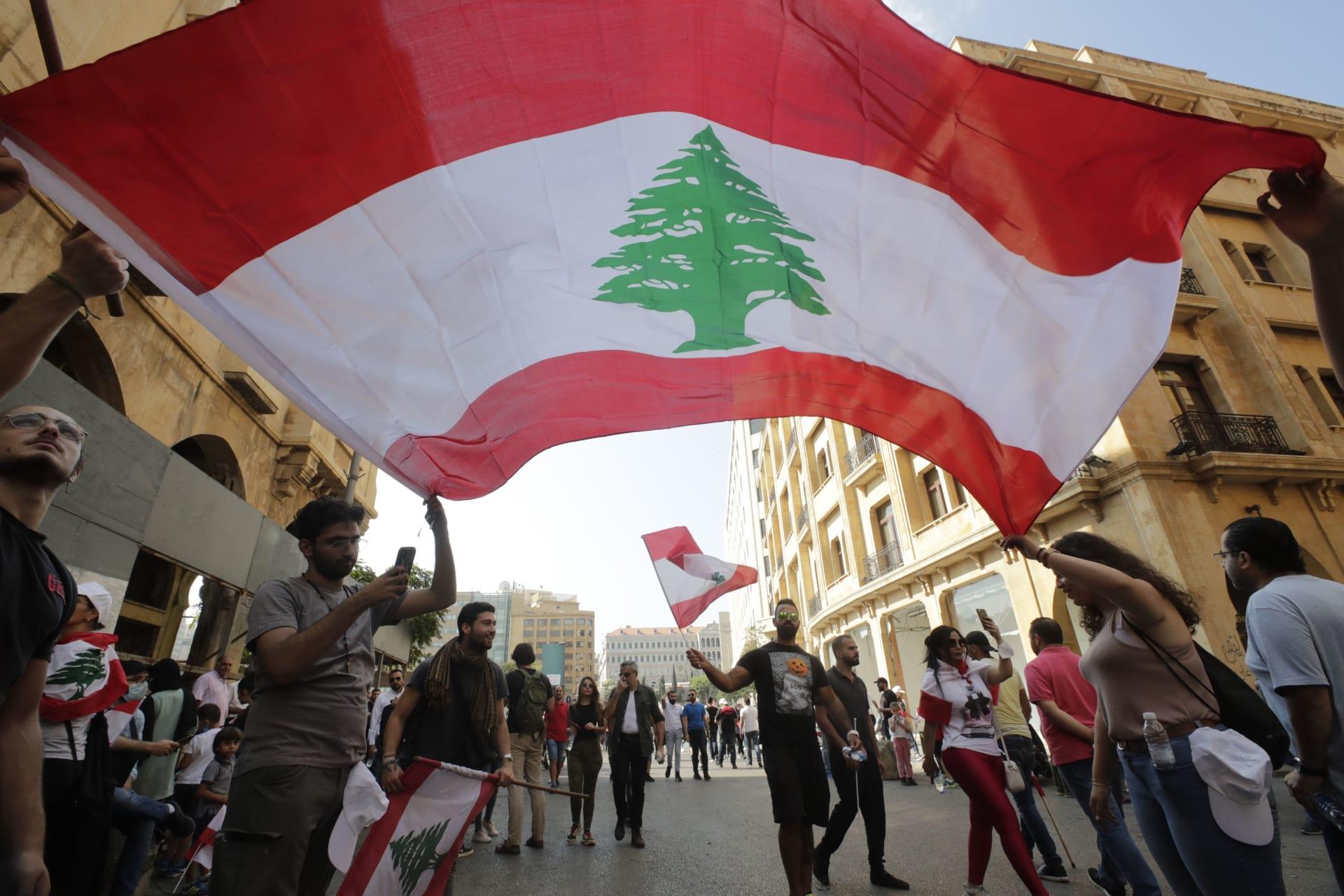 انقلاب في السودان وعنف في سوريا وأزمة لا مثيل لها في لبنان.. المنطقة العربية تغلي!