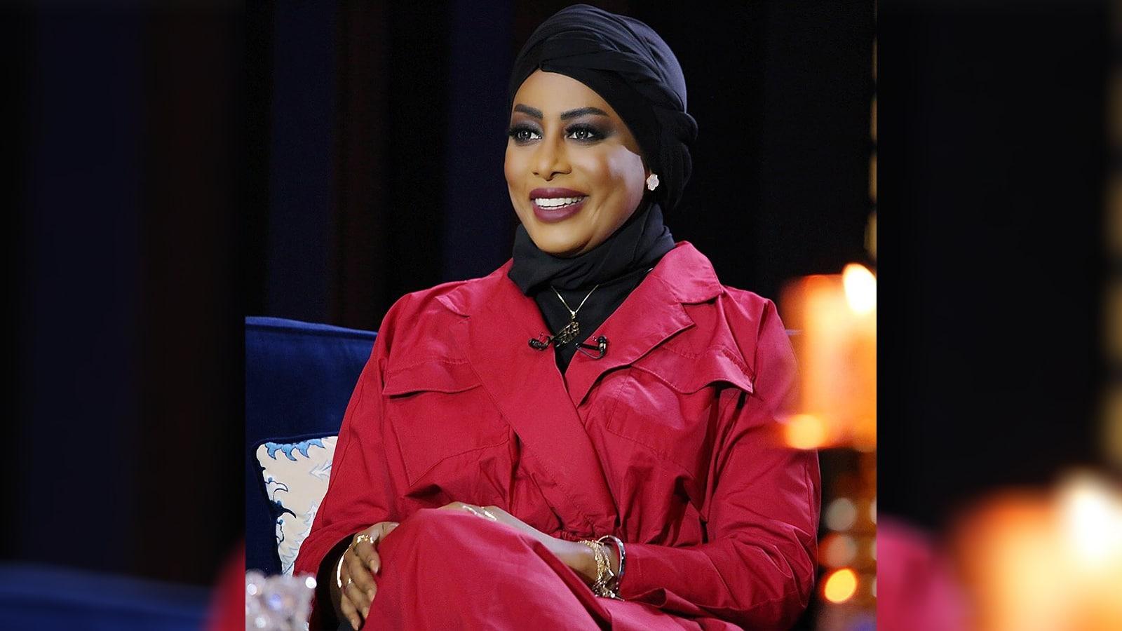 الإعلامية الكويتية إيمان نجم تنجو من الموت بمعجزة في حادث مروع