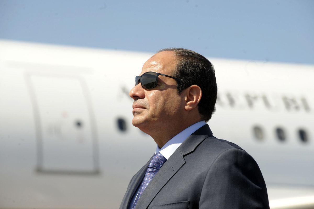 """(شاهد) أسطول طائرات السيسي صاحب مقولة """"احنا فقراء أوي"""" يستفز المصريين!"""