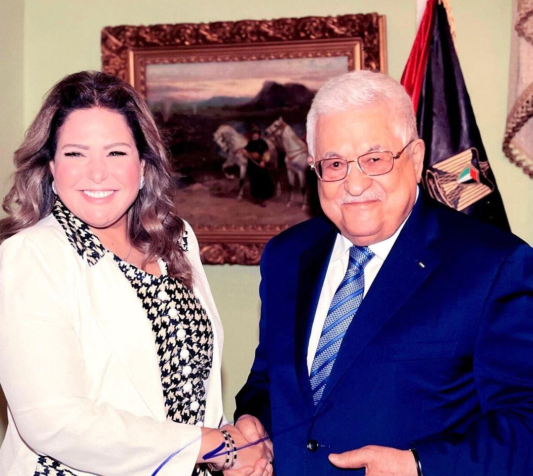 """منح الفنانة المصرية صابرين وسام الثقافة من الدرجة الأولى يثير غضباً فلسطينياً وانتقادات لـ """"عباس"""""""