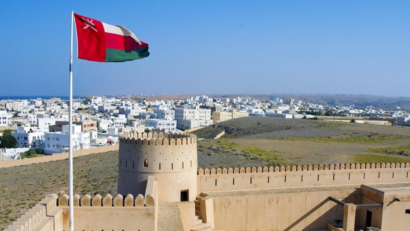 سلطنة عمان تطرح برنامج إقامة مستثمر