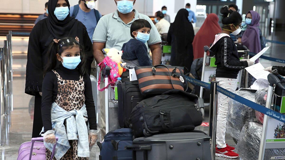 """رسوم جديدة """"غير مبررة"""" فرضتها سلطنة عمان على المواطنين تفجر غضب العمانيين"""