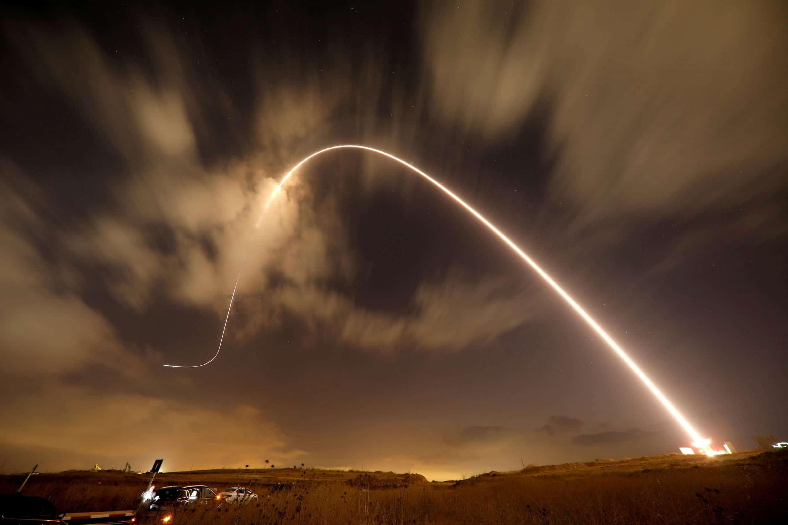 """(شاهد) صاروخ انطلق من غزة بعد كلمة أبوعبيدة ينشر الرعب بين الإسرائيليين في """"سديروت"""""""