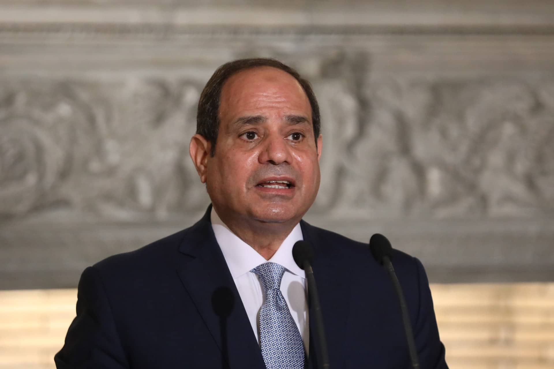 السيسي: الله حفظ مصر من السقوط كما حدث في الجوار! (فيديو)