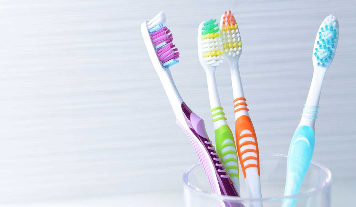 فرشاة الأسنان