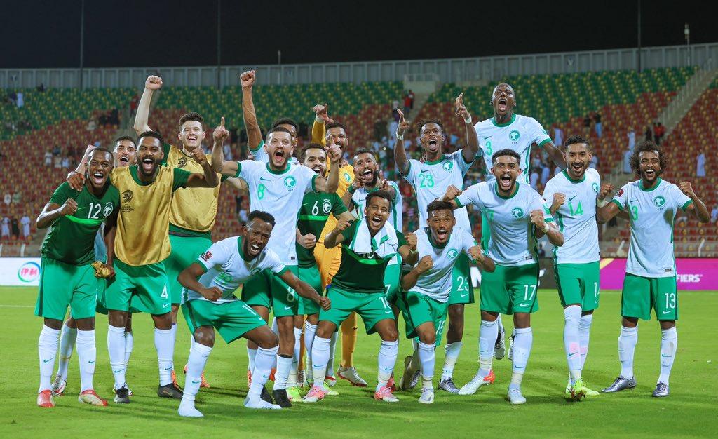 السعودية تفوز بشق الأنفس على عمان في تصفيات آسيا لمونديال كأس العالم 2022 (شاهد)