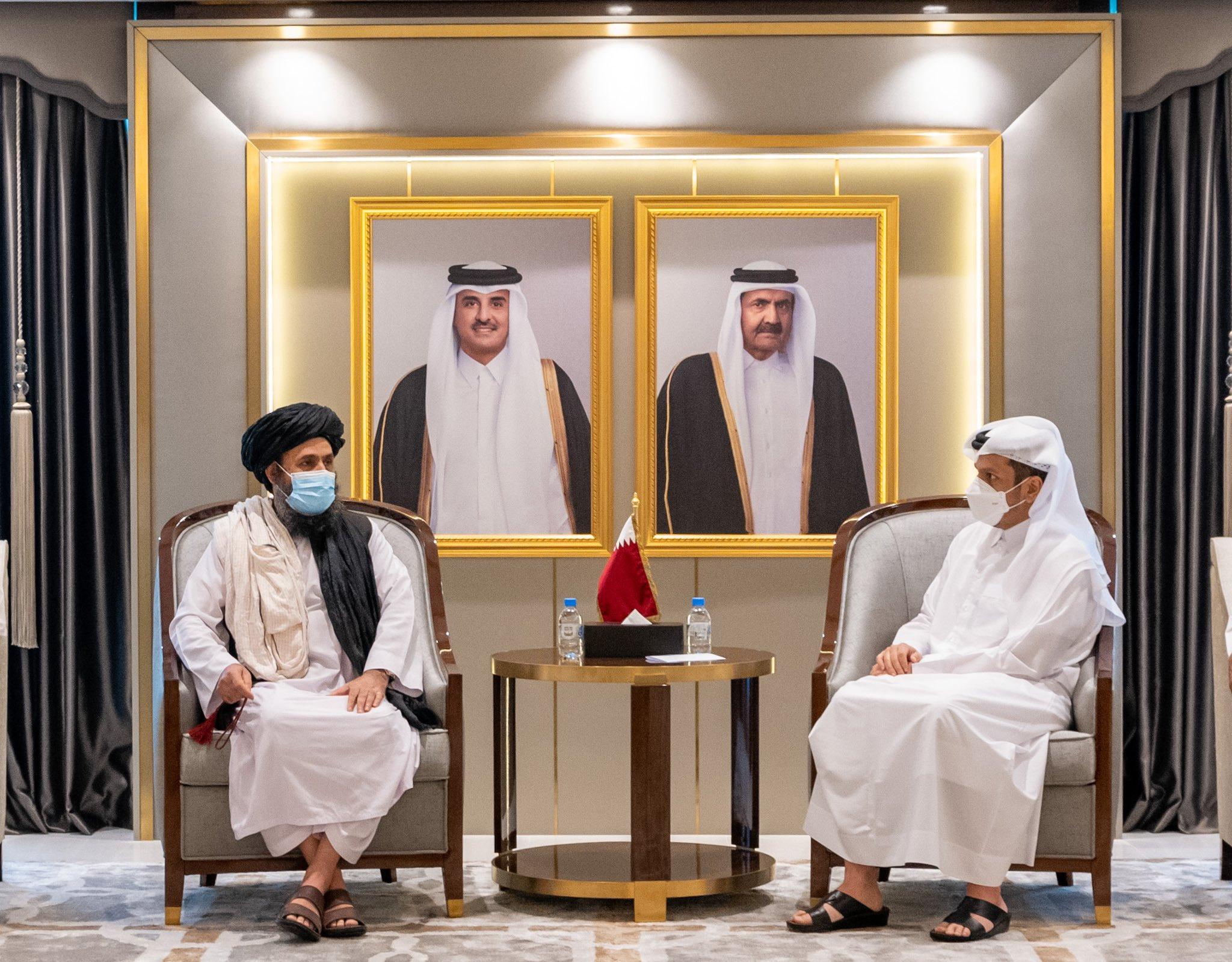 وزير الخارجية القطري يتلقي بوفد من طالبان