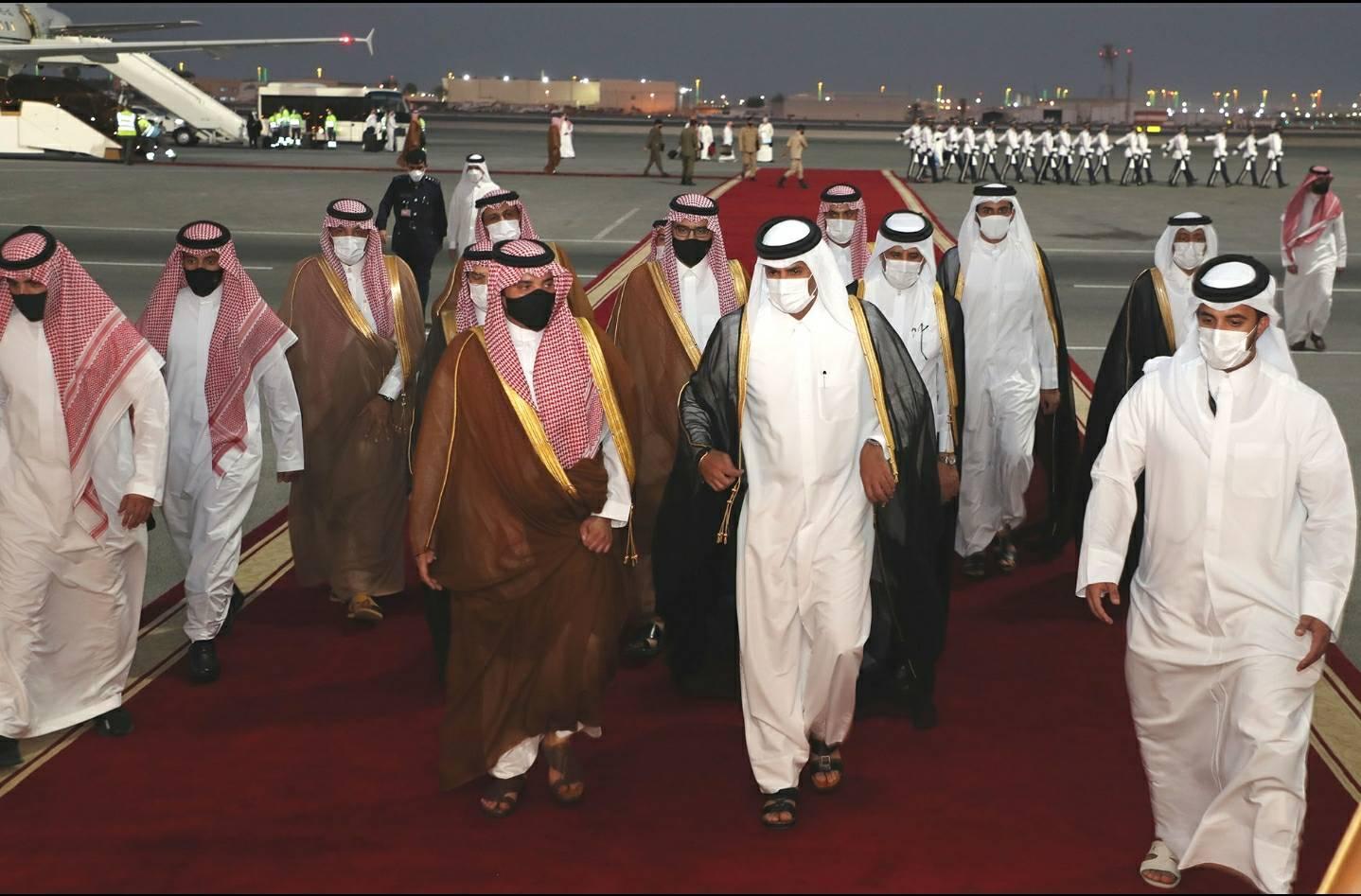 وزير الداخلية السعودي في الدوحة بتكليف من ابن سلمان بعد لقاء طحنون بن زايد بالأمير تميم