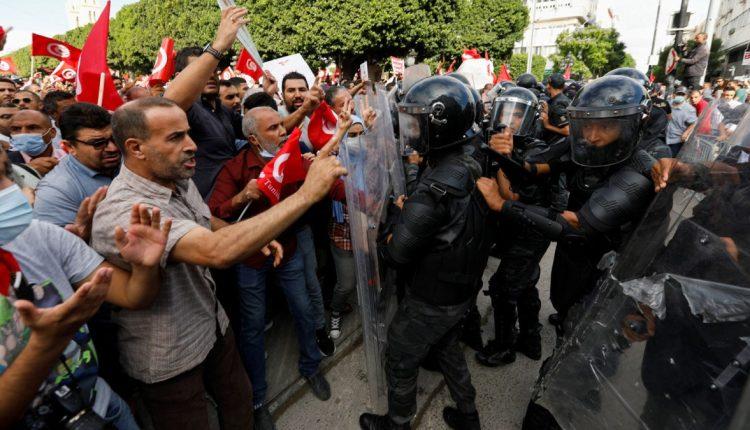 احتجاجات تونس ضد قيس سعيد