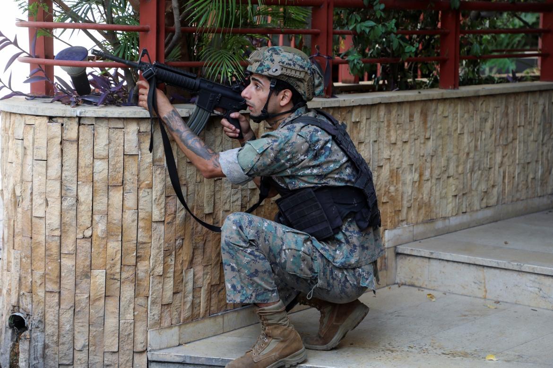 اشتباكات بيروت تنذر بعودة شبح الحرب الأهلية الى لبنان