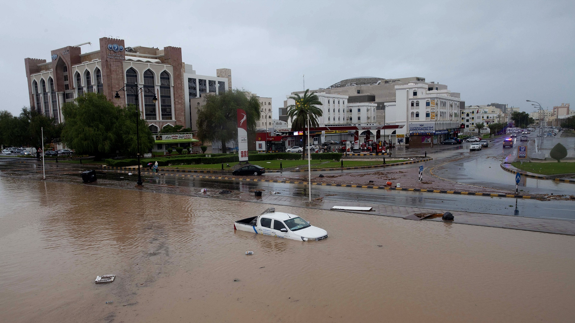 أضرار إعصار شاهين