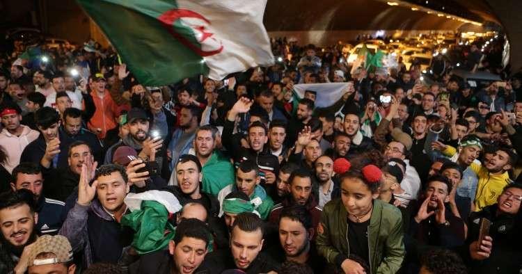 الشعب الجزائري