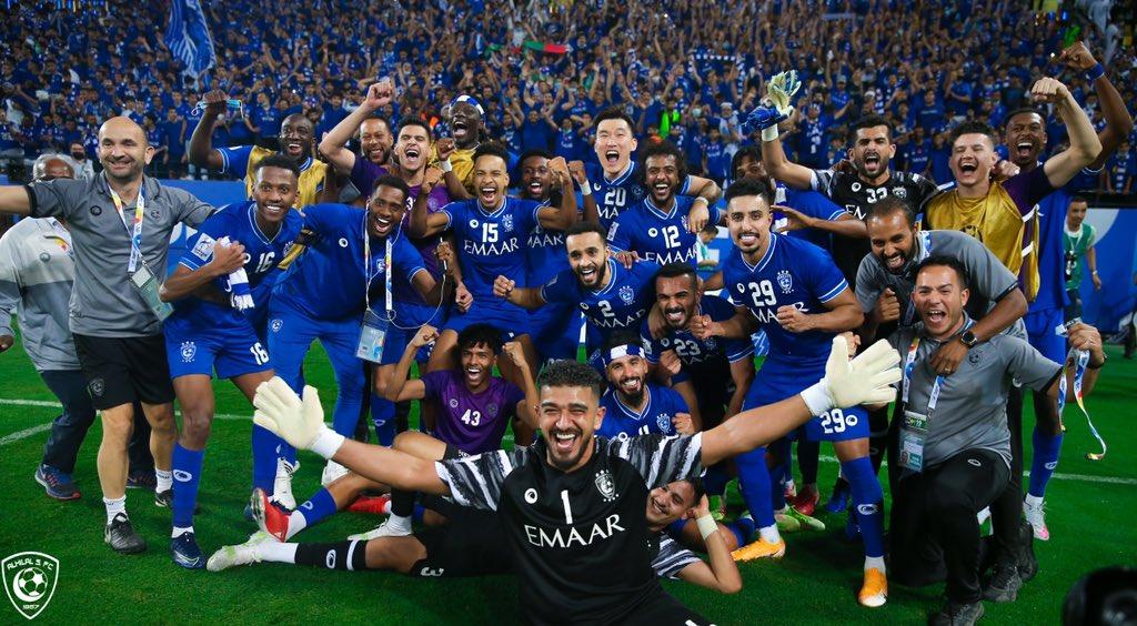 احتفال فريق الهلال السعودي بعد التأهل إلى نهائي دوري أبطال آسيا