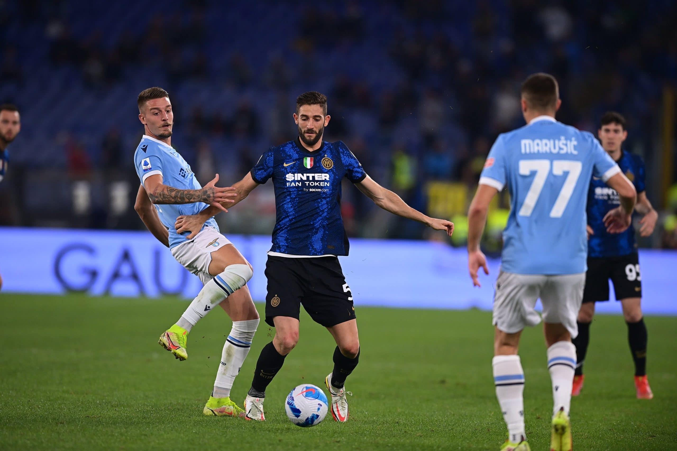 مباراة لاتسيو وإنتر ميلان في منافسات الدوري الإيطالي