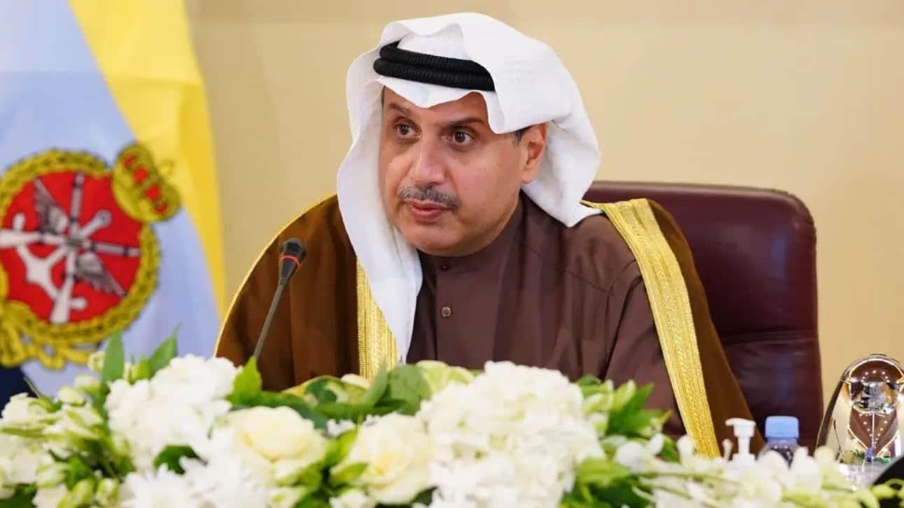 حمد جابر العلي وزير الدفاع الكويتي