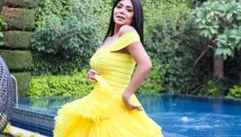 رانيا يوسف بالفستان الأصفر بعد تدشين حسابها الجديد على فيسبوك