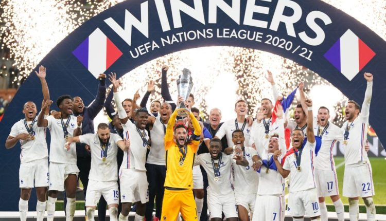 احتفال منتخب فرنسا بلقب كأس أمم أوروبا 2021