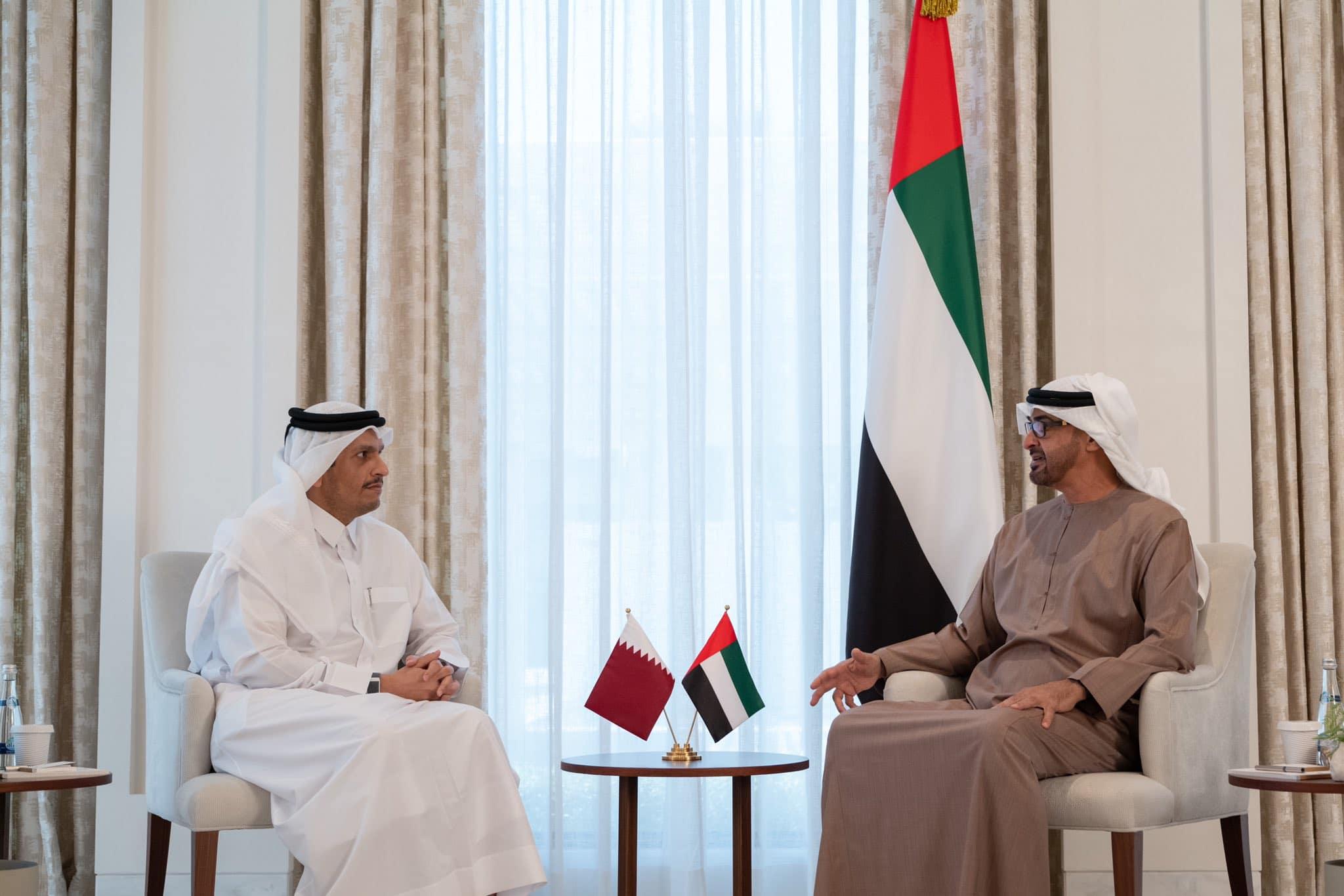 وزير الخارجية القطري يلتقي محمد بن زايد